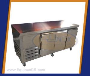Equinox-Mesa refrigerada sobre sólido 3 puertas-B